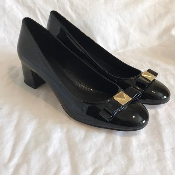 1d0575eae36e MICHAEL Michael Kors Shoes - - NWOT - MICHAEL Michael Kors- Caroline Mid